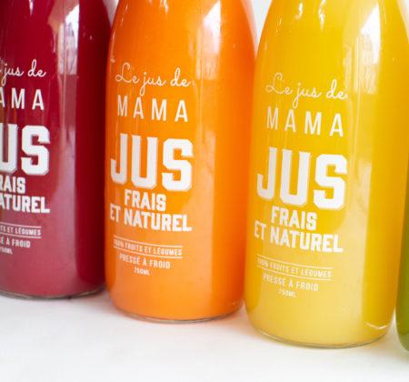Les bouteilles de jus Le jus de mama